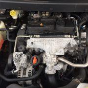 10 Dodge Journey 2.0crd Auto / Breaking All Parts / N/s Door Hinge 1